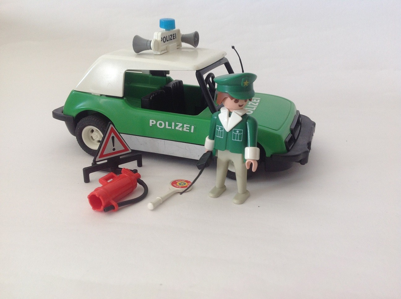 REF 3215 COCHE POLICIA AÑO 1993